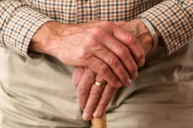 Erbrecht alter Mann